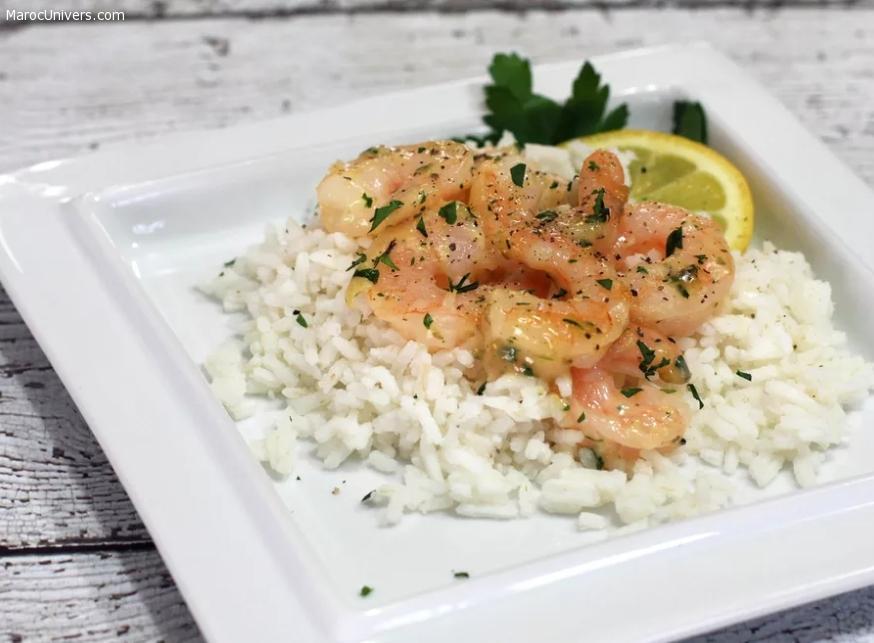 Crevettes à l'ail et au citrovn avec riz blanc