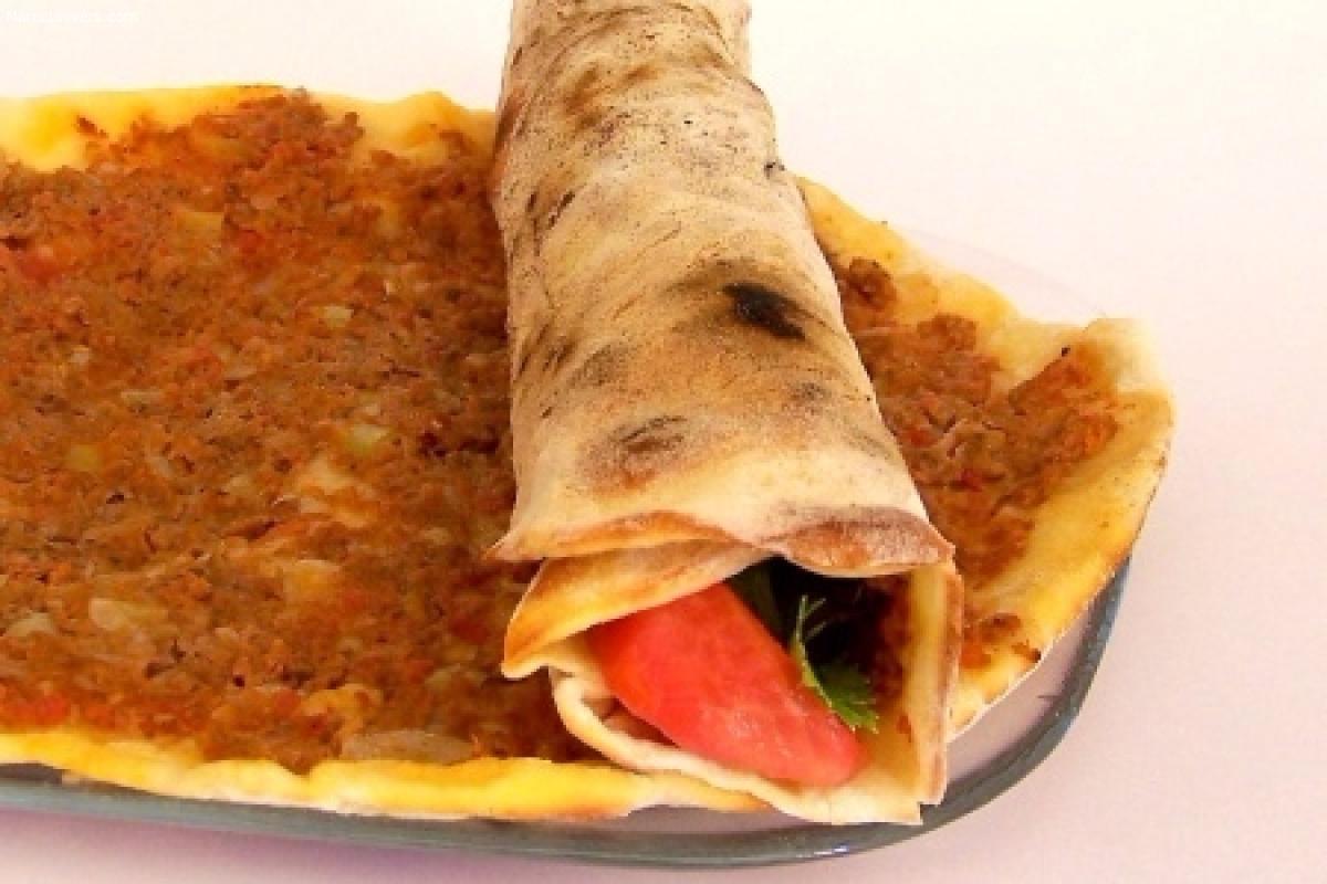 Lahmacun – pizza turque à la viande hachée