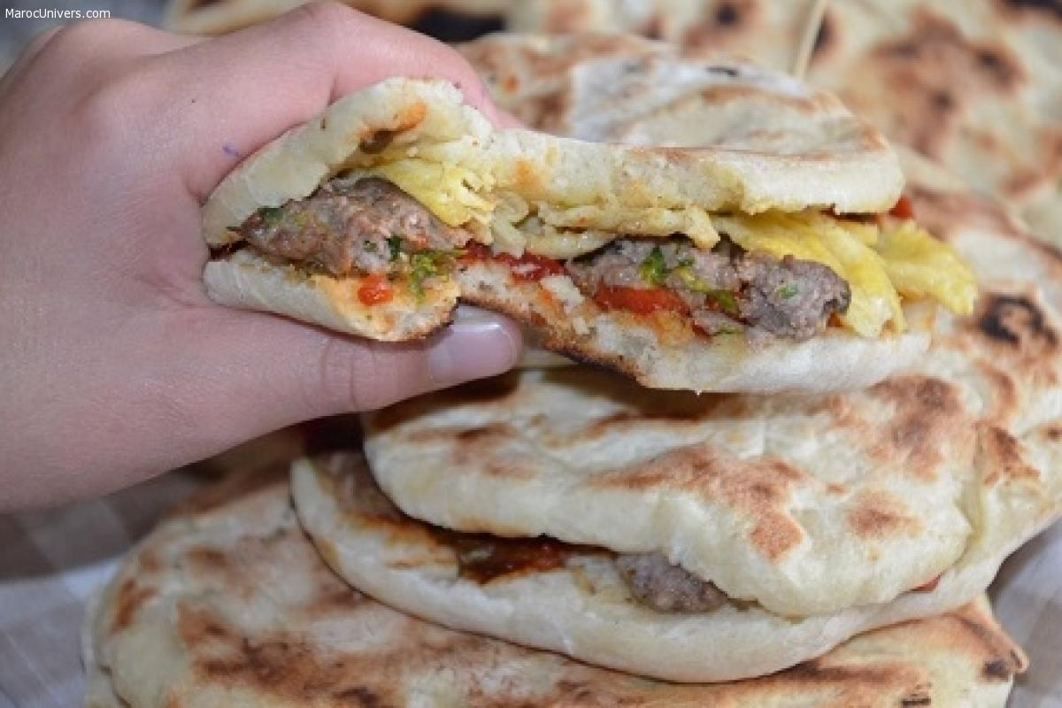 Pain chapati tunisien farci (batbouth)