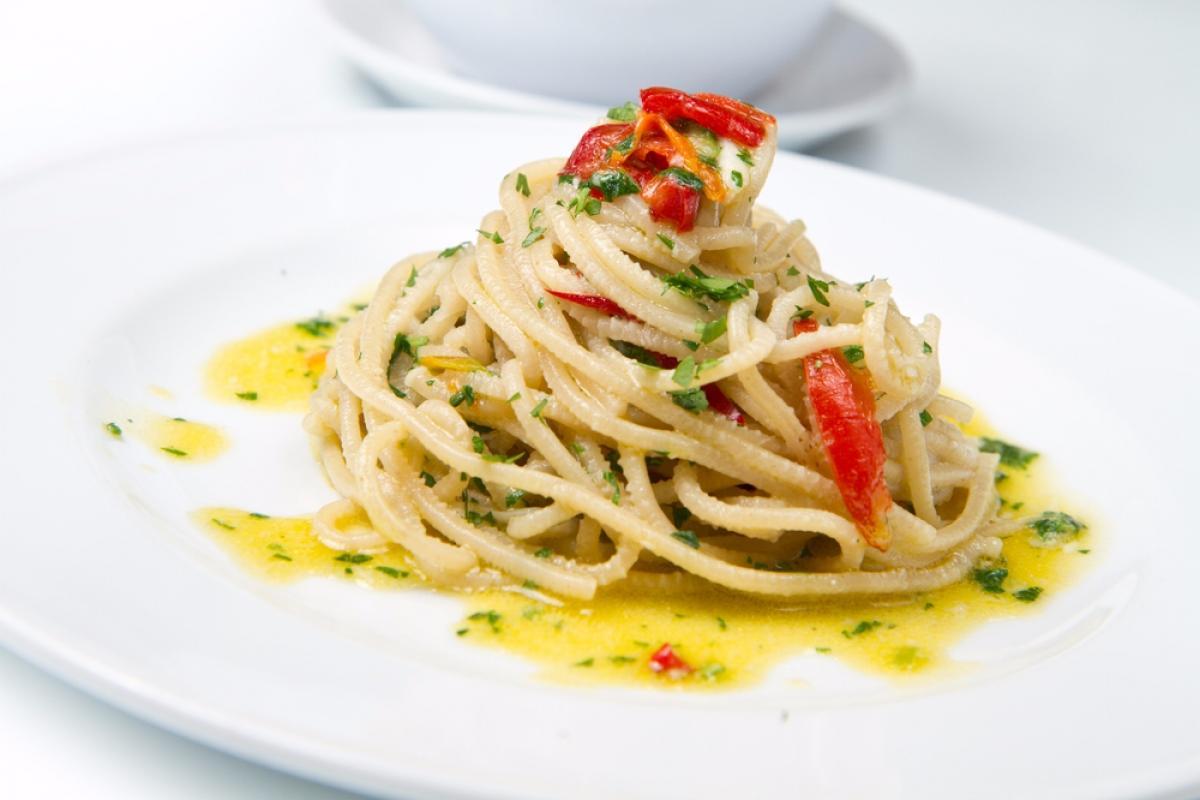 spaghetti à l'huile d'olive et à l'ail