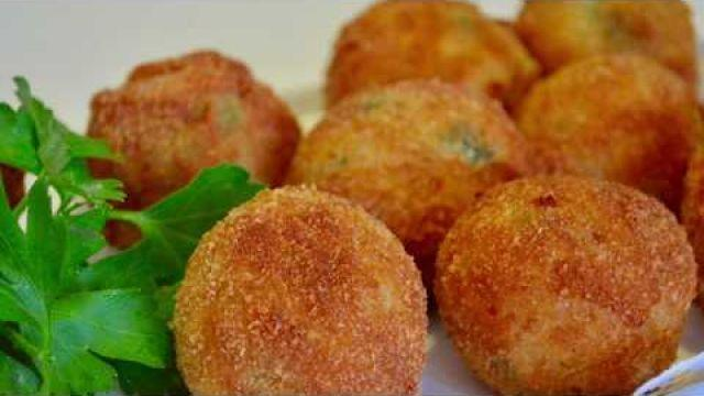 Croquettes de pomme de terre /وصفة المعقودة روعة سهلة و مقاديرها بسيطة و ناجحة